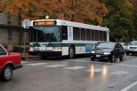 Bus driving on Kirkwood