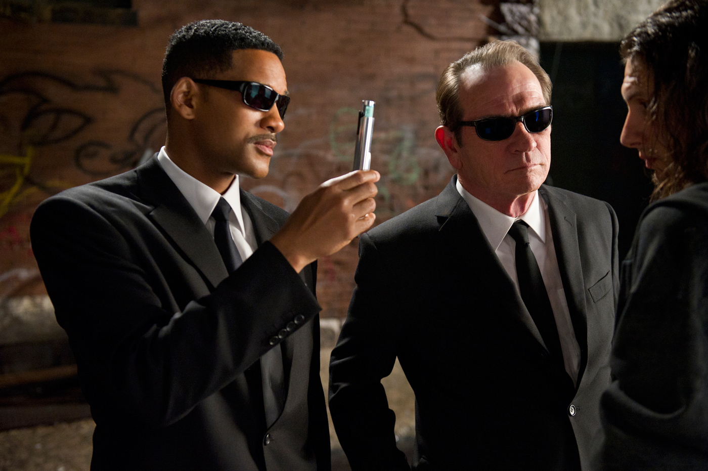 Men in black tazer