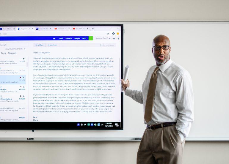 A lecturer gives a presentation
