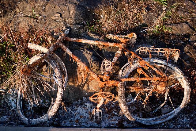 A rusty bike