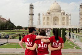 Students in Kelley shirts infront of Taj Mahal